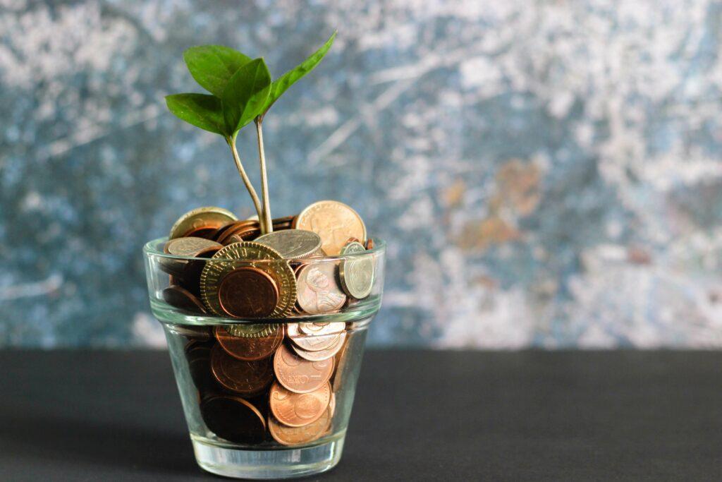 お金と花瓶